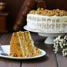 Originalių kepinių meistrė: pyragas – ir desertas, ir antrasis patiekalas