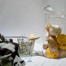 Medikai primena: citrinos ir česnakai gripo neįveiks