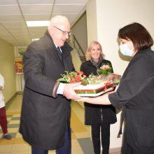 Ž. Pinskuvienė, su vyru medikus sveikinusi be kaukių: laikiau labai sunkų kalakutą