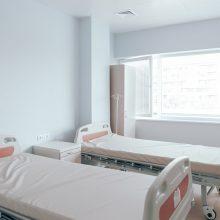 Santaros klinikos su kitomis ligoninėmis tariasi dėl COVID-19 pacientų guldymo