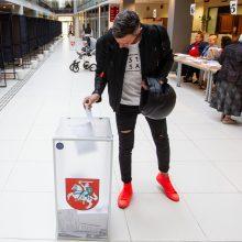 Rinkdami tris Seimo narius valią pareiškė daugiau nei 3 proc. rinkėjų