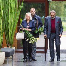 Kolegos, artimieji ir gerbėjai atsisveikina su aktoriumi R. Karveliu