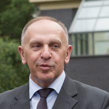 Kaltinimų sulaukęs ambasadorius R. Motuzas atsistatydinti neplanuoja
