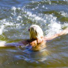 Specialistai perspėja, kuriuose vandens telkiniuose pavojinga maudytis