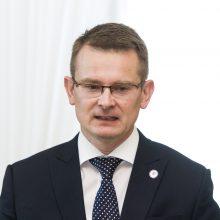Sveikatos ministras: artimiausios kelios savaitės dėl COVID-19 plitimo bus sunkesnės