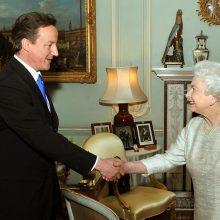 D. Cameronas prašė karalienės paveikti Škotijos referendumo rezultatus
