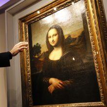 """Ministras pareikalavo """"Moną Lizą"""" iš Luvro Paryžiuje grąžinti į Italiją"""