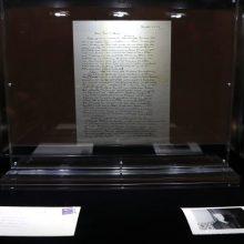 A. Einšteino laiškas su abejonėmis dėl Dievo aukcione parduotas už rekordinę sumą