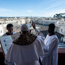 Popiežiaus Kalėdų linkėjimas: pasaulinė brolybė nepaisant skirtumų