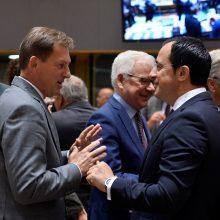 ES stengiasi gelbėti susitarimą su Iranu