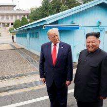 D. Trumpas: nepaisant raketų bandymų, Kim Jong Unas nenuvils