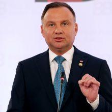 Lenkijos prezidentas ragina toliau taikyti sankcijas Rusijai