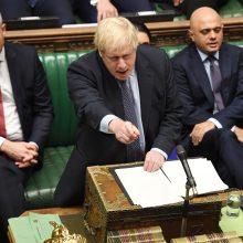"""B. Johnsonas Briuseliui išsiuntė nepasirašytą laišką su prašymu atidėti """"Brexit"""""""