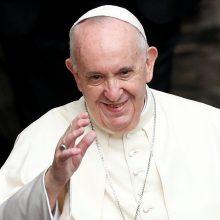 """Popiežius savo kalboje JT kritikavo """"daugiašališkumo eroziją"""""""