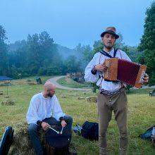 Gyventi su liaudiška muzika – tvirta giminės tradicija