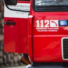 Šilutės rajone – gaisras bute, pranešta apie nukentėjusią moterį