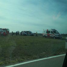 Automagistralėje – avarija, medikų pagalbos prireikė šešiems žmonėms