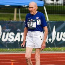 96-erių vyras pasiekė pasaulio bėgimo rekordą