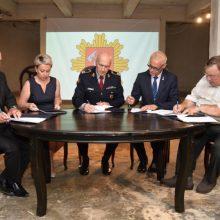 PAGD ir ugniagesių profesinės sąjungos pasirašė kolektyvinę sutartį
