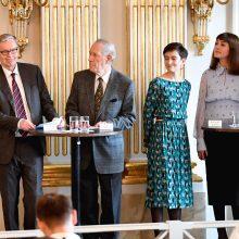 Nobelio literatūros premiją pelnė O. Tokarczuk ir P. Handke