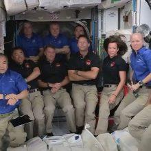 """Trečioji """"SpaceX"""" pilotuojama misija pasiekė Tarptautinę kosminę stotį"""
