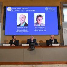 Nobelio chemijos premija atiteko organinių katalizatorių kūrėjams iš JAV ir Vokietijos