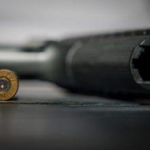 Kauno pareigūnams moteris savanoriškai perdavė revolverį ir šovinius