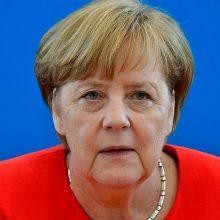 A. Merkel sako nesutinkanti su E. Macrono nuomone apie NATO