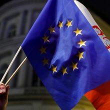 ES apskundė Lenkiją ETT dėl jos teismų reformos