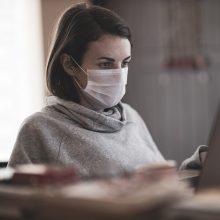 Nuo vasario pradžios – daugiau nei tūkstantis klaidinančios informacijos apie virusą