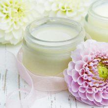 Lietuviai ieško ekologiškų kosmetikos priemonių: kaip veido kaukę pasigaminti namie?
