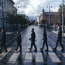 """J. Bareikis ir R. Karpis atkartojo garsiąją grupės """"The Beatles"""" nuotrauką"""