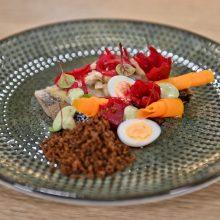 Šefas iš Šri Lankos silkę pavertė aukščiausio lygio restorano patiekalu <span style=color:red;>(receptas)</span>