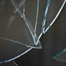 Palangoje vyras išdaužė kavinės langą ir pasipriešino policininkams