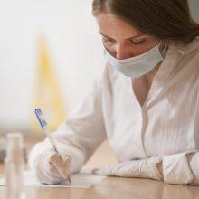 Užsikrėtusiesiems COVID-19 skirta anketa: žmonės raginami prisidėti prie viruso suvaldymo