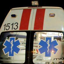 Pasvalio rajone apvirto automobilis, sužaloti du žmonės