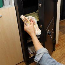 Utenoje pavogtas seifas ir BMW: nuostoliai siekia 43 tūkst. eurų