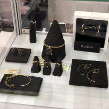 Iš tarptautinės parodos grįžę lietuvių juvelyrai: minimalizmas jau traukiasi
