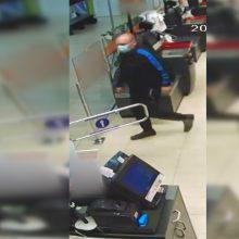 Policija pradėjo tyrimą dėl vagystės ir prašo pagalbos: gal matėte šį vyrą?