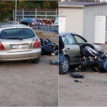 Prie Jiesios geležinkelio pervažos – avarija, į ligoninę išvežtas motociklininkas