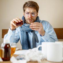 Nežymiai mažėja sergančiųjų gripu ir kvėpavimo takų infekcijomis