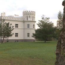 V. Matijošaitis pravėrė savo naujųjų rūmų duris: kambarius dekoravo ir auksu