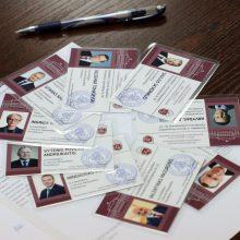 Devyniems kandidatams į prezidentus įteikti pažymėjimai