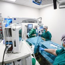 Sergantiems akių ligomis – puikios žinios: Klinikose atidarytos modernios operacinės