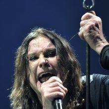 Sunkiojo roko legendos O. Osbourne duktė neigia, kad jos tėvas guli mirties patale