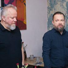 Į kelionę leidęsi M. Starkus ir V. Radzevičius pasikvietė žavią kompanionę