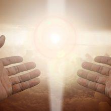 """Prisijungti prie Dievo. Vatikanas paleidžia programėlės """"Click to Pray"""" atnaujinimą"""
