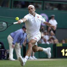 Įspūdinga kova: R. Federeris nugalėjo R. Nadalį ir pateko į Vimbldono turnyro finalą
