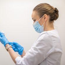 Gydytojai alergologai: pacientų, kuriems skiepytis nuo COVID-19 negalima, pasitaiko ypač retai