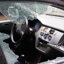 Kelmės rajone per avariją žuvo moteris, sužaloti dar trys žmonės